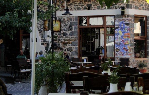Таверна на Крите