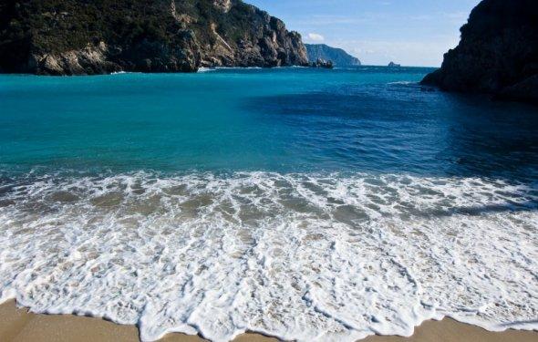 Пляжи Палеокастрицы, остров
