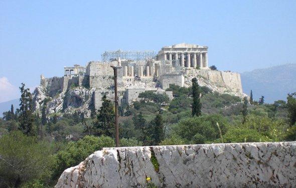 Афинский Акрополь издалека